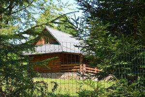 Do chaty advokáta Radomíra Bžána sa podľa polície vlámali dve osoby.