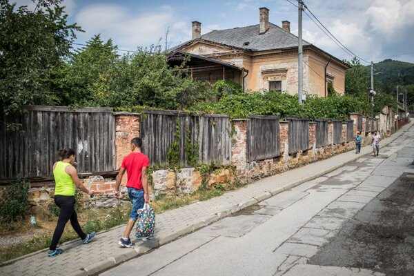 Pamiatkovo chránená Ruffíniho vila v Dobšinej.