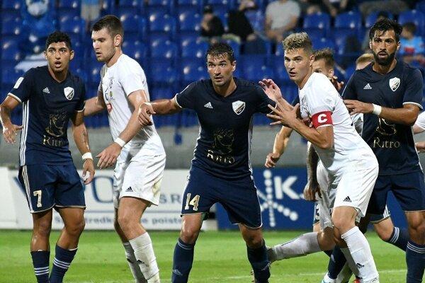 Poprad zdolal Komárno dvoma gólmi v úplnom závere.
