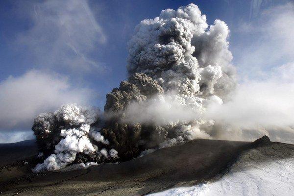 Výbuch vulkánu Eyjafjallajökull by bol zanedbateľný v porovnaní s erupciou skutočnej supersopky.