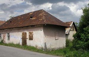 pohľad na bývalý notársky úrad od cesty