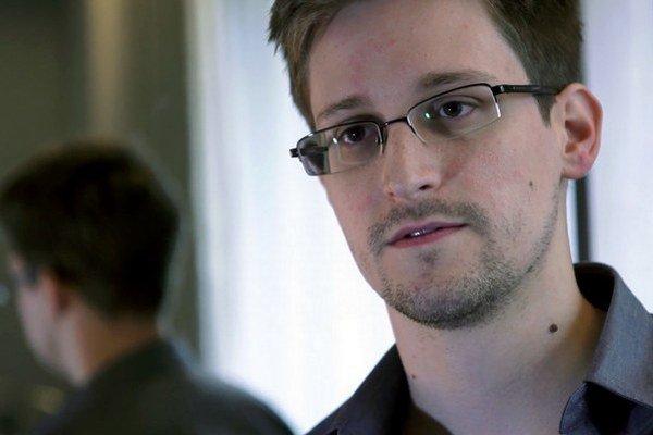 Edward Snowden (29) pracoval pre CIA aj vo firmách, čo spolupracovali s NSA.