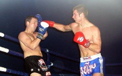 maďarský reprezentant csiklari (vľavo) ťahal za kratší koniec, z víťazstva sa tešil ľubomír hanták (vpravo).