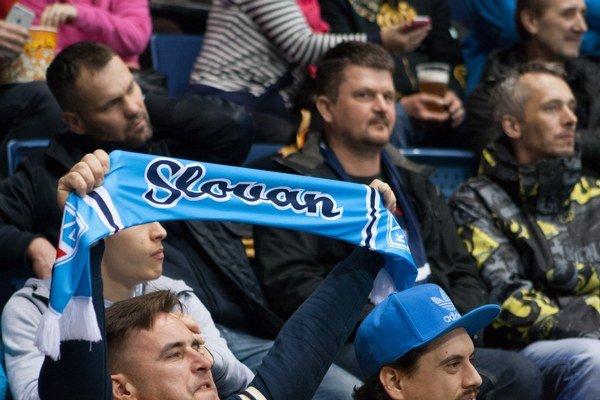 Priaznivci HC Slovan Bratislava.