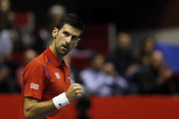 Novak Djokovič sa na kurty vrátil po chorobe.