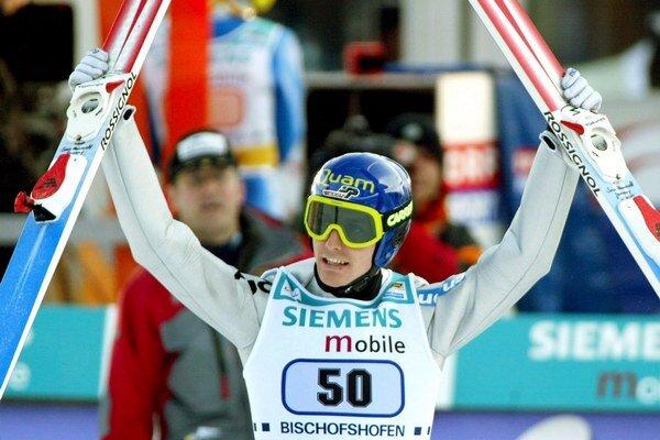 Sven Hannawald v minulosti ako jediný vyhral v jednom roku všetky štyri podujatia Turné štyroch mostíkov.