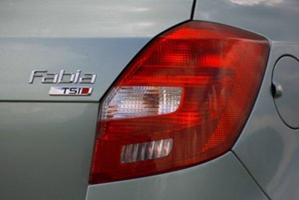 Konečne moderný motor pomohol vyniknúť podvozku a jazdným vlastnostiam Fabie. Škodovka by však mala popracovať na zostave vybavenia a rozšírení prvkov v základných verziách.