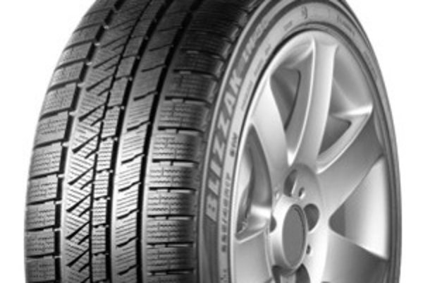 Motoristi sa môžu tesne pred zimou stretnúť s tým, že požadovaný rozmer nezoženú a nové dodávky zimných pneumatík budú drahšie.