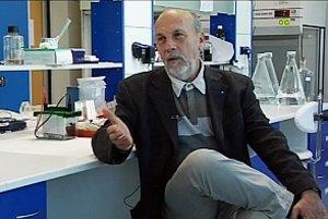 Prof. MUDr. Fedor Čiampor, DrSc. Je slovenský virológ. Pracuje na Virologickom ústave Slovenskej akadémie vied, bol podpredsedom SAV, riaditeľom ústavu a predsedom Učenej spoločnosti SAV. Zaoberá sa morfologickými znakmi rozmnožovania vírusov v bunkách na