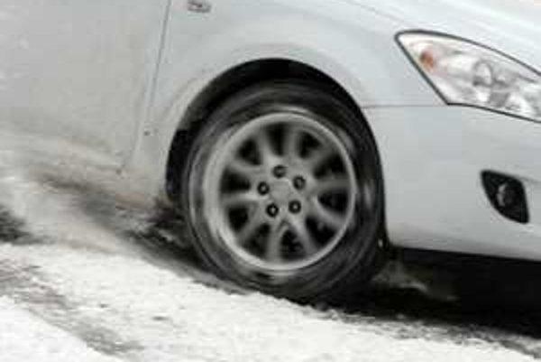 Na snehu dosiahnete väčší efekt s rozvahou a jemným pridávaním plynu.