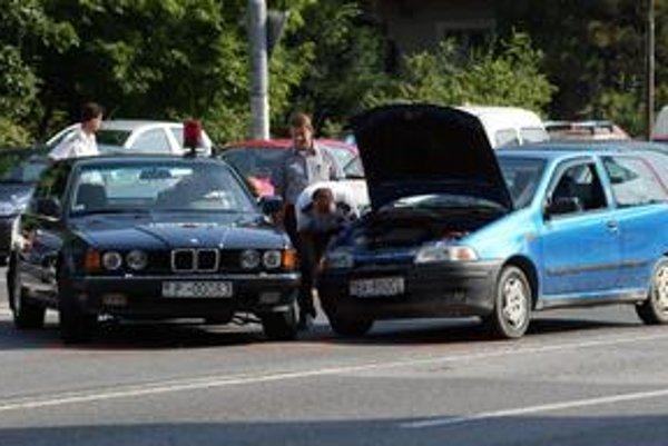 Polícia od februára riešila podstatne menej nehôd, ako v rovnakom období vlani.