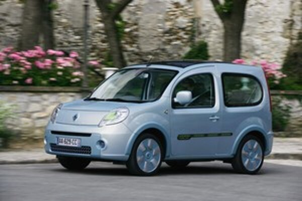 Kangoo Be bop Z.E. konštrukčne vychádza zo sériovej verzie malého osobno – úžitkového vozidla kangoo Be bop.