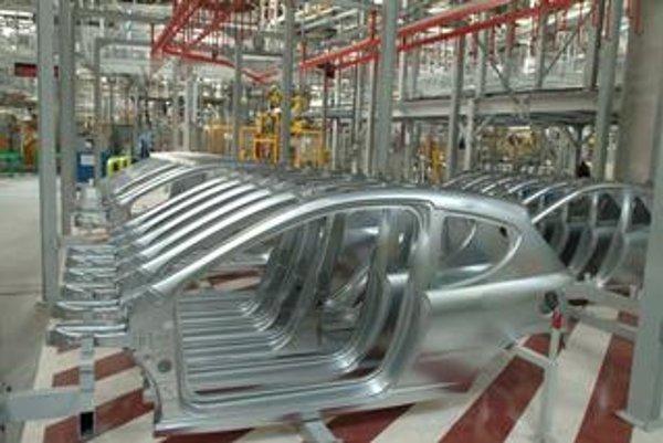 Sériová výroba vozidiel sa v Trnave začala v júni tohto roku. Do konca decembra sa tu v dvojzmennej prevádzke vyrobí viac ako 51 000 vozidiel modelu Peugeot 207, pričom denne výrobné linky opustí takmer 700 automobilov.