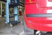 Emisným kontrolám podliehajú autá s benzínovým motorom a riadeným katalyzátorom R-KAT. Bolo to tak aj doteraz, avšak emisná kontrola sa presunula  spod technickej  na samostatnú kontrolu, s vlastným poplatkom  a osvedčením