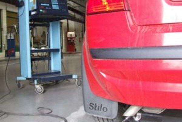 Termín povinnej a samostatnej emisnej kontroly vozidiel vyrobených od 1.1.2000 si netreba nechať na poslednú chvíľu. Do  konca júna zostáva málo času a veľa automobilov.