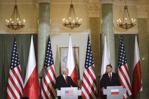 Americký viceprezident Mike Pence a poľský prezident Andrzej Duda.
