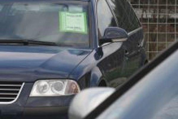 Veľký záujem je o ojazdené limuzíny, najmä o Volkswagen Passat.