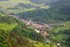 Obec Lesnica má zriadenú Záchrannú stanicau horskej služby.