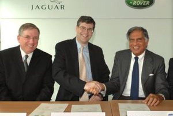 Po marcovom rozhodnutí a následnom audite došlo ku kúpe automobiliek Land Rover a Jaguar.