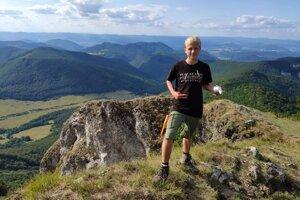 Andrej nedávno dokončil cestu po najdlhšej slovenskej turistickej magistrále, Ceste hrdinov SNP, ktorá má takmer 800 kilometrov.