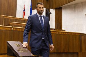 Marián Viskupič (SaS) skladá poslanecký sľub v Bratislave 6. septembra 2019.