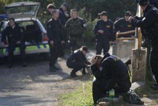 Českí policajti už viac ako mesiac hľadajú Aničku, zoznam pedofilov by im vraj pomohol.