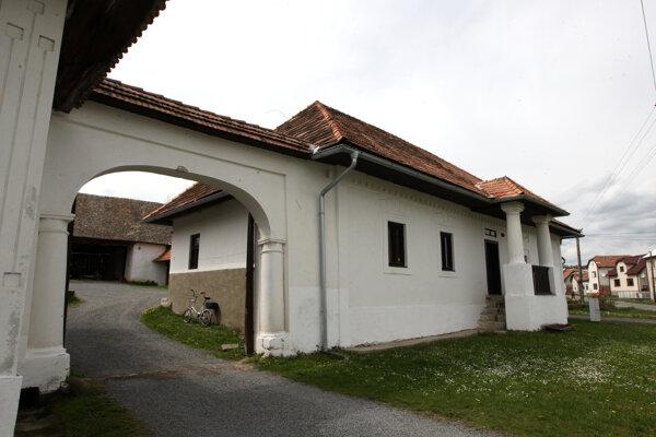 Ľudový dom v Babinej.