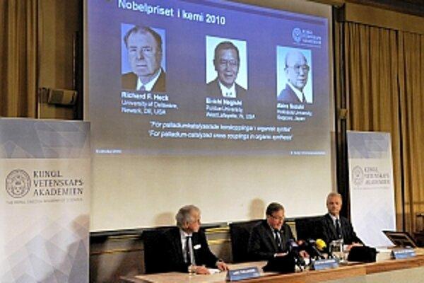 Švédska Kráľovská akadémia vied vyhlásila Nobelovu cenu za chémiu.