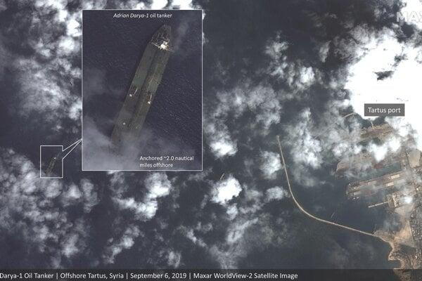 Satelitné snímky v uplynulých dňoch zachytili iránsky tanker pri sýrskom prístave Tartús.