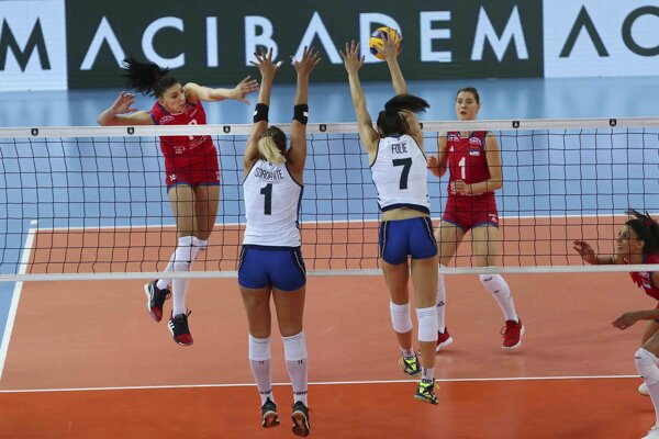 Zápas semifinále ME vo volejbale žien 2019 Srbsko - Taliansko.