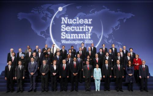 nuklearny_summit_3_ap.jpg
