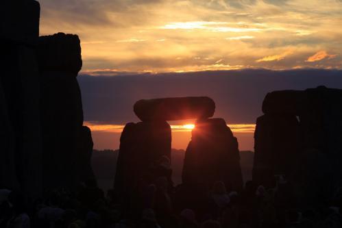 stonehenge.1.ap.jpg