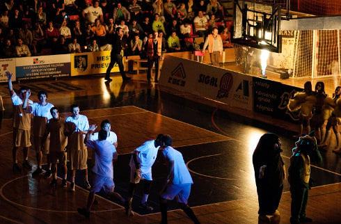 basketbal_derby_94_1.jpg