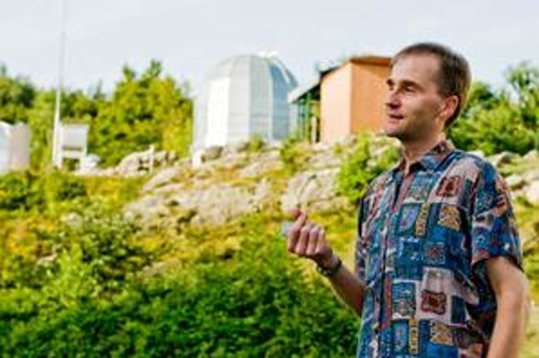Adrián Galád v observatóriu.