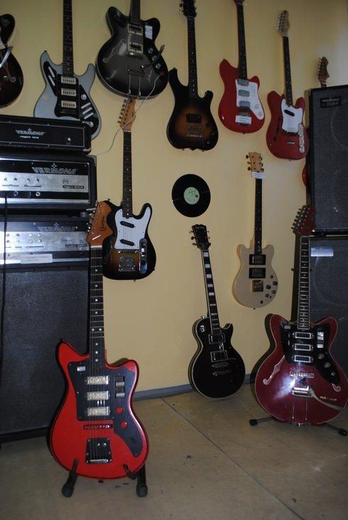 huko_gitary_foto2_jo_res.jpg