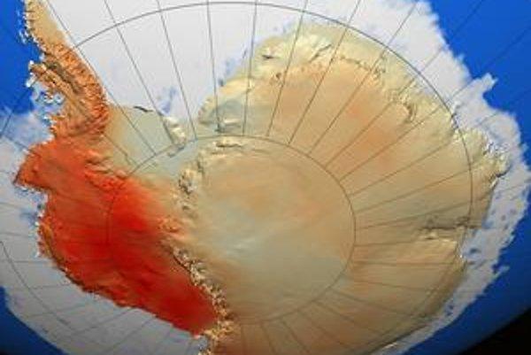 Otepľovanie Antarktídy je najvýraznejšie v západnej časti kontinentu (červená farba).