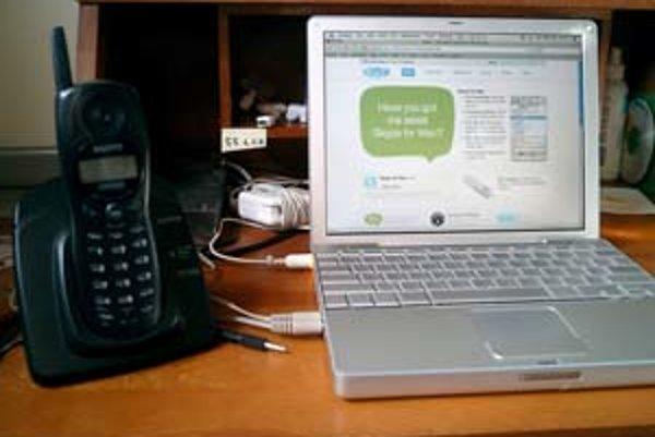 Cez Skype telefonuje na internete viac ako tristo miliónov ľudí.