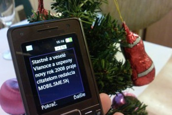 Pre mnoho obyvateľov Slovenska už SMS správa nahradila tradičné papierové Vianočné pozdravy.