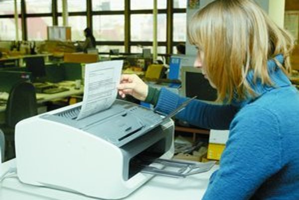 Na Slovensku sa stále faxuje najmä vďaka štátnym inštitúciám, ktoré si na e-mail stále nezvykli.