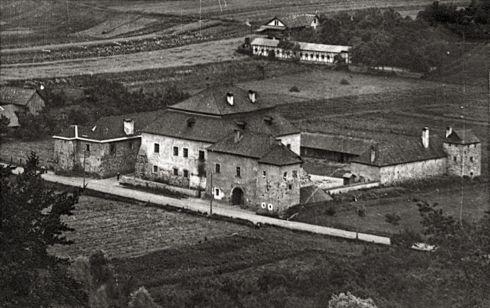 kastiel-mateja-korvina--sovi-hrad--v-kra_r8337.jpg