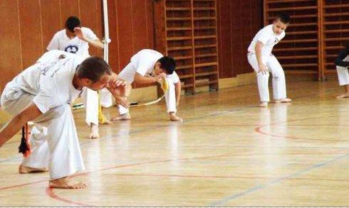 0_capoeira1_r7763_res.jpg