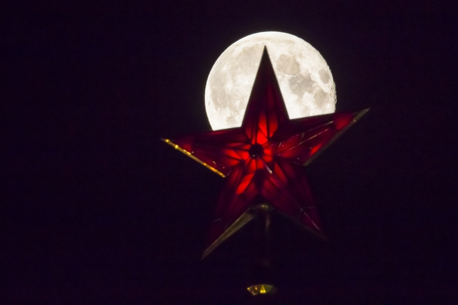 mesiac2.jpg