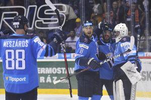 Hráči Slovana oslavujú víťazstvo nad Košicami v predohrávke 1. kola Tipsport Ligy 2019/2020.