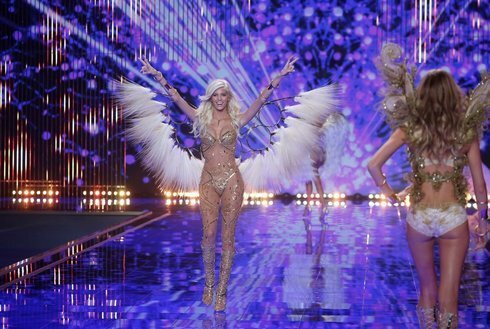 victorias-secret-fasion-show-2014-london_r7476_res.jpg
