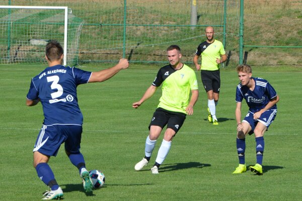 Jacovce v Slovenskom pohári vyradili v stredu Alekšince.