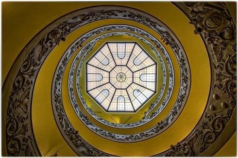 02_wendeltreppe-vatikanische-museen-4633_res_res.jpg