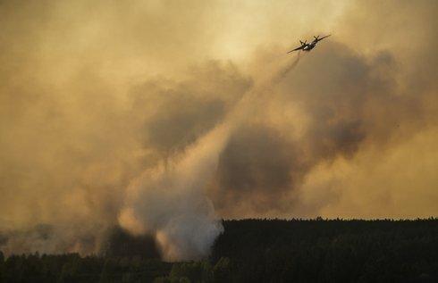 ukraine_chernobyl_fire-4ed21e573c364436b_r4997_res.jpeg