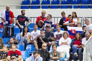 Fanúšikovia Slovenska počas zápasu Davisovho pohára Norbert Gombos - Henri Laaksonen.