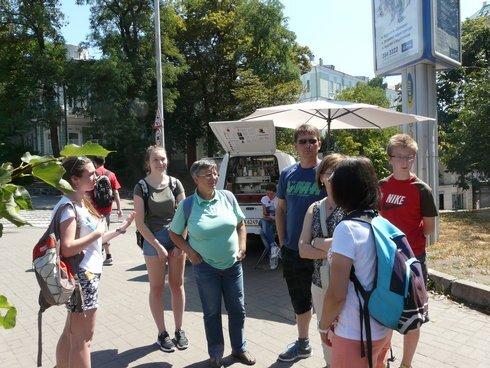 turisticka-skupinka-s-natalkou_r5649_res.jpg