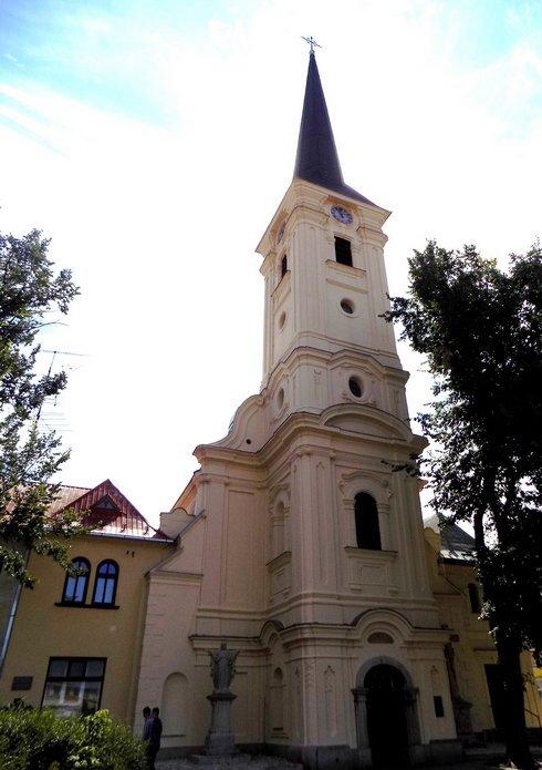 farsky-kostol-nove-zamky--2-_r7499_res.jpg